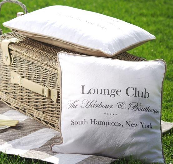 Tekstylia: dekoracyjne poduszki w stylu Long Island dostępne na www.hamptons.pl