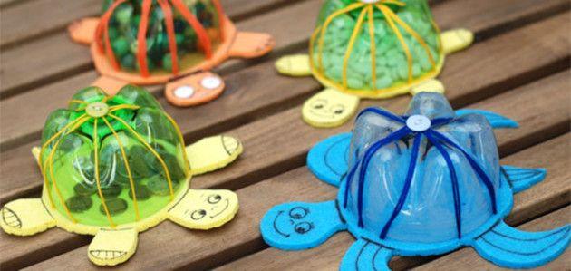 Tortugas marinas de colores hechas con botellas de plástico #manualidades #reciclaje