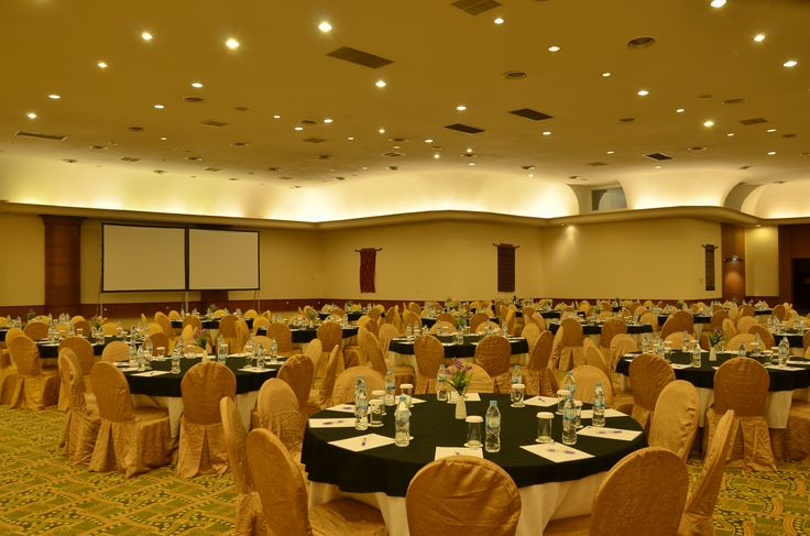 Marina Convention Center Batam, Round Table Set-Up