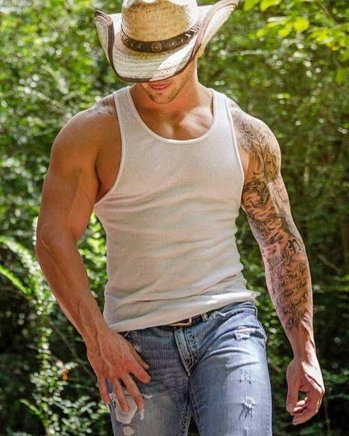 Canvas: Gary Taylor. Muscle sleeve tattoo, body art.