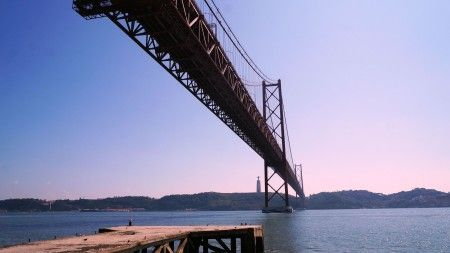 25 de Abril Bridge - San Francisco's Golden Gate look-alike bridge although smaller is no less beautiful, especially when illuminated at night, and is one of most splendid ways to cross the River Tagus. - http://www.welovelisbon.net/activities/25-de-abril-bridge
