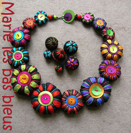 Embroidered fabric necklace by Marie les bas bleus