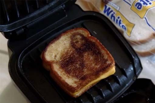 OMG Glee so funny Finn's Grilled Cheesus  | grilled-cheesus.jpg