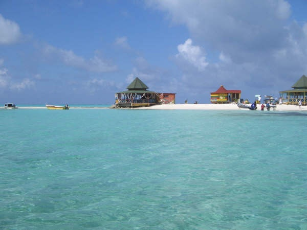 Acuario, San Andres Island.....the movement of the water is gentle and warm.....I love it!!