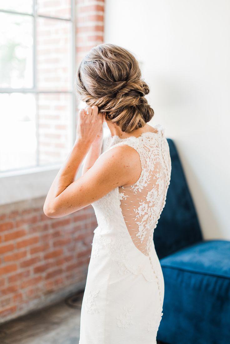 Lace back wedding dress | Photography: A.J. Dunlap