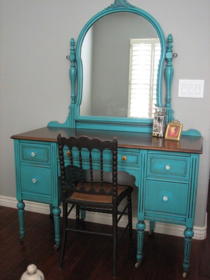 Vintage turquoise stained wood mirror dressing table with five drawers and traditional chair. #Netnoot #Furniture #DressingTable