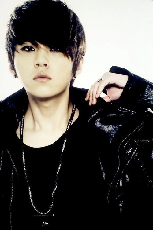 Yong Jun-hyung (B2ST)