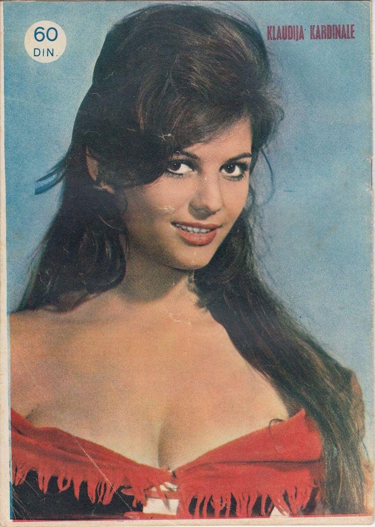 Claudia Cardinale - Filmski svet Magazine Pictorial [Yugoslavia (Serbia and Montenegro)] (14 December 1961)