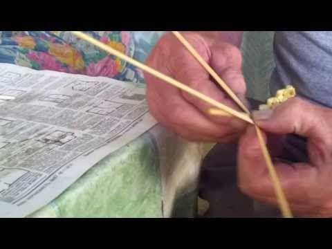 Плетение из соломы Подставление соломин в косичку.mp4 - YouTube