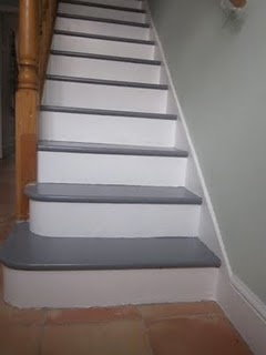 White And Grey Painted Stairs I Ve Nvr Seen Grey Amp White