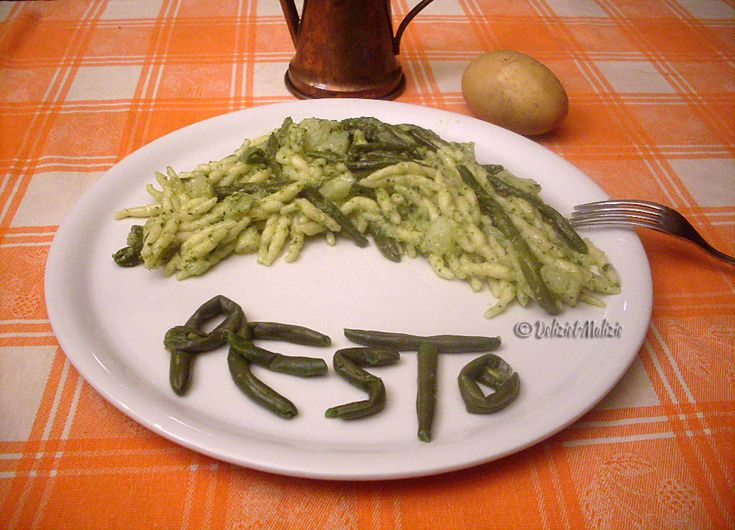 Trofie+alla+genovese+-+la+ricetta+tradizionale+con+patate+e+fagiolini