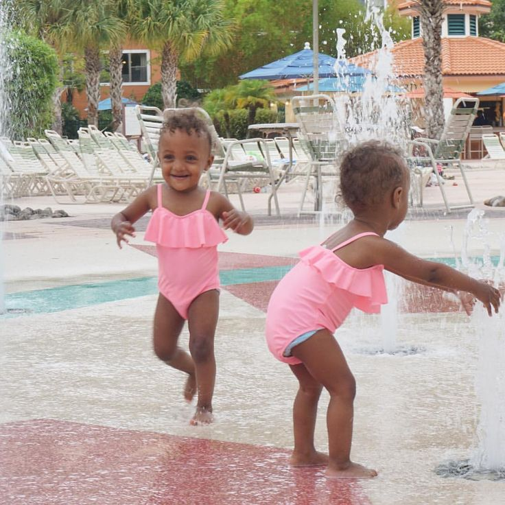 London and Kyleigh cooling down 💗