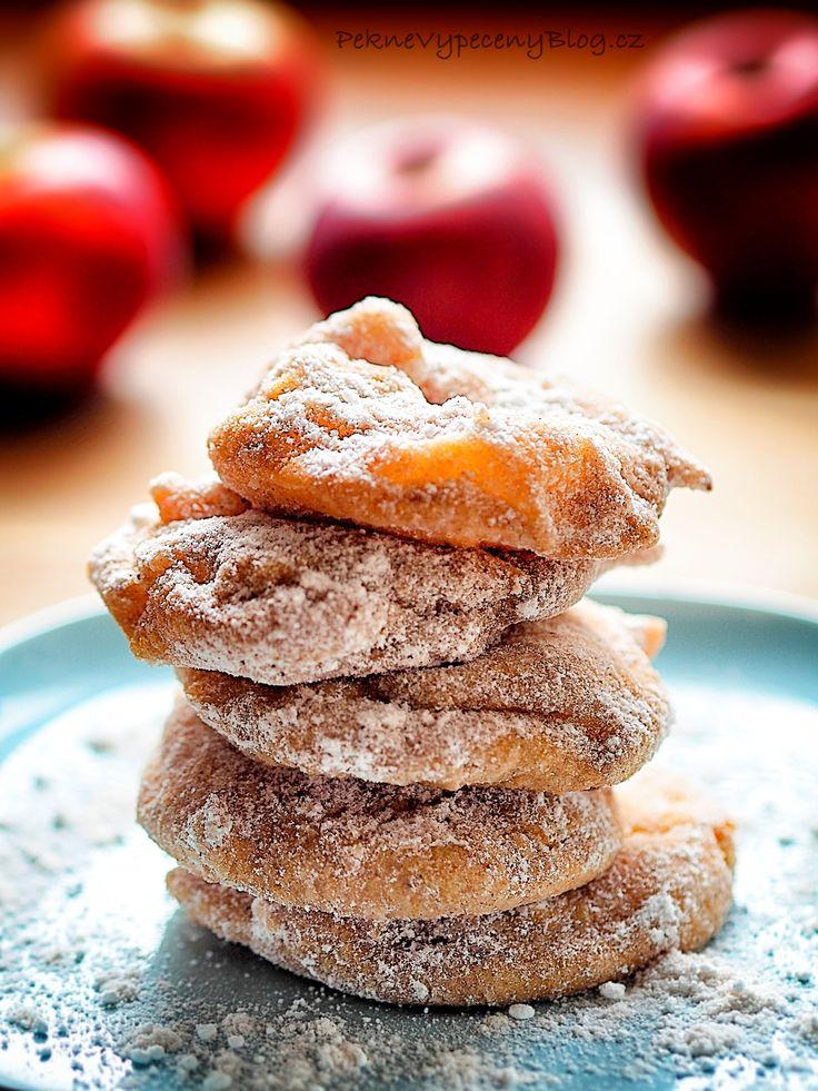 Jablečné kroužky - Apple rings www.peknevypecenyblog.cz