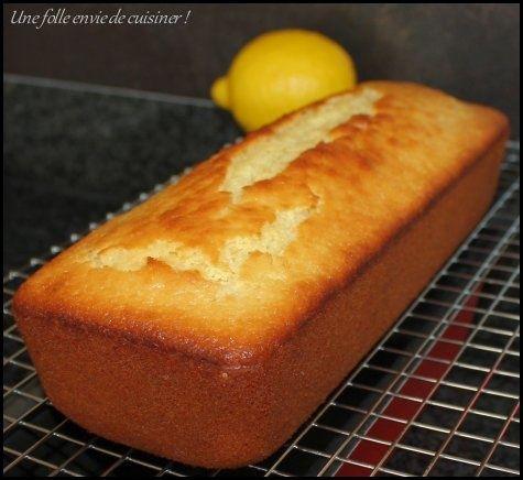 Après de nombreux essais, j'ai enfin trouvé mes proportions idéales pour le cake au citron! Voici donc ma recette de ce délicieux cake, moelleux et parfumé, comme je l'aime! Les ingrédients (pour 6 personnes): 220g de farine T45 4 oeufs 130g de sucre...