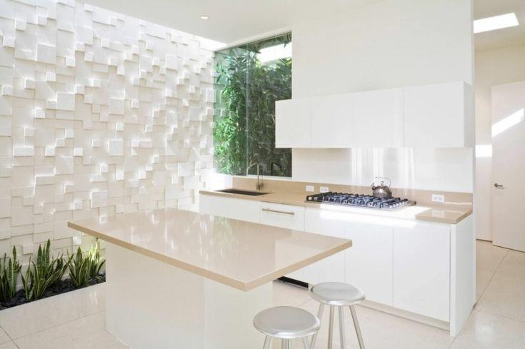 Weiße 3D Beton Block Wand als Akzent im modernen Interieur