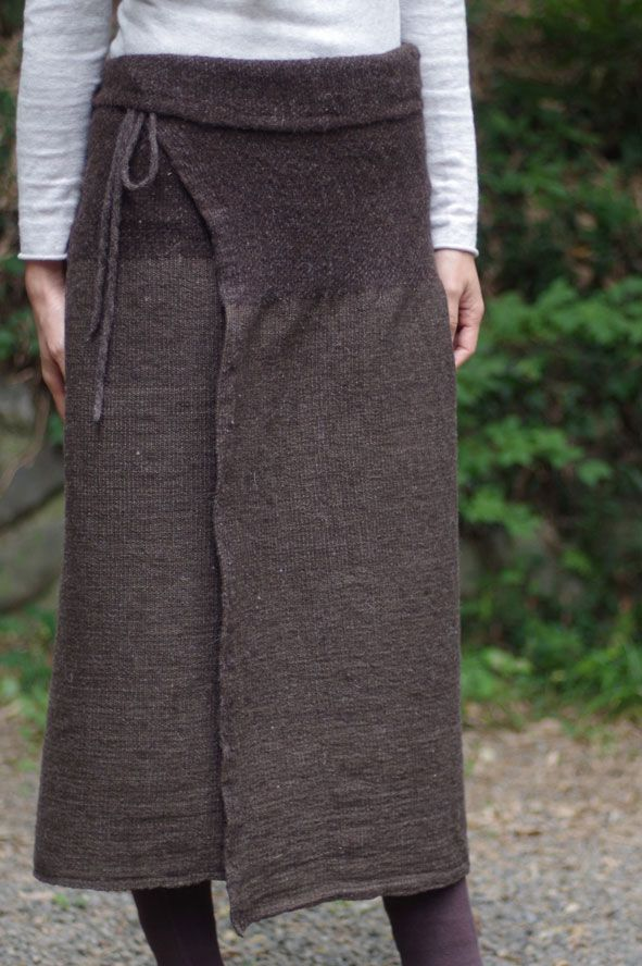 What's going on with this skirt? Is it knit? Sewn? Maybe a little of both? I like it, but I am confused by it.