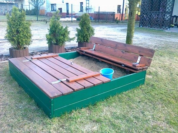 Sandpit made out of old pallets