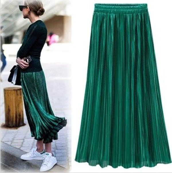 パール感じが漂うプリーツが入ってロマンチックなロングスカート