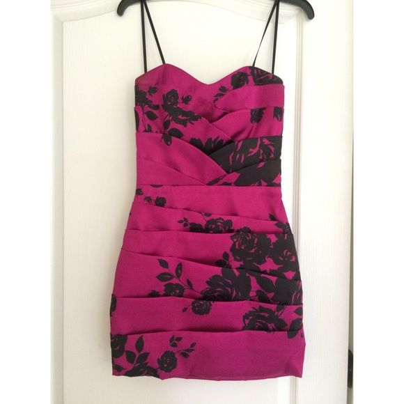 B. Smart Pink Floral Cocktail Dress Adorable floral pattern cocktail dress! Worn once! Perfect for any party setting! B. Smart Dresses Strapless