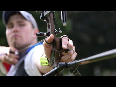 Recreational Recurve Bow vs. Olympic Recurve Bow - YouTube