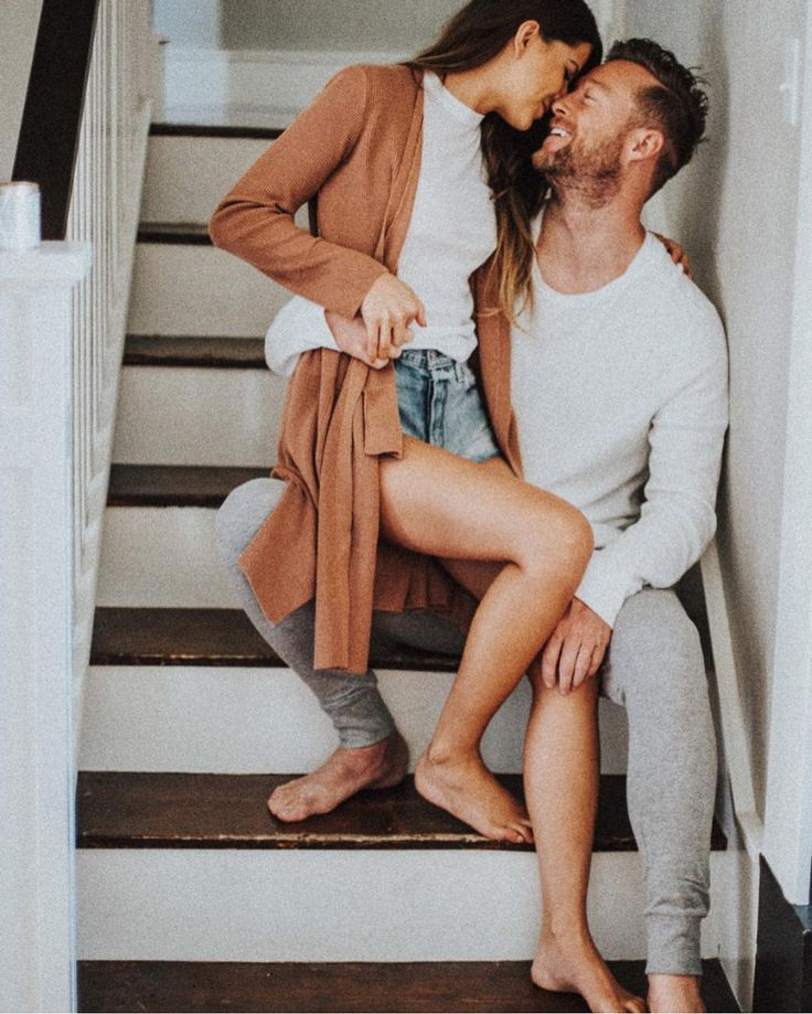 Cutest In Home Session | Engagement Photo Ideas