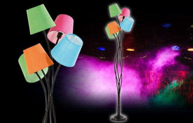Una #lampada a #piantana allegra e inusuale con corpo in metallo e 5 #paralumi in tessuto di diversi colori. Ad un prezzo davvero speciale!