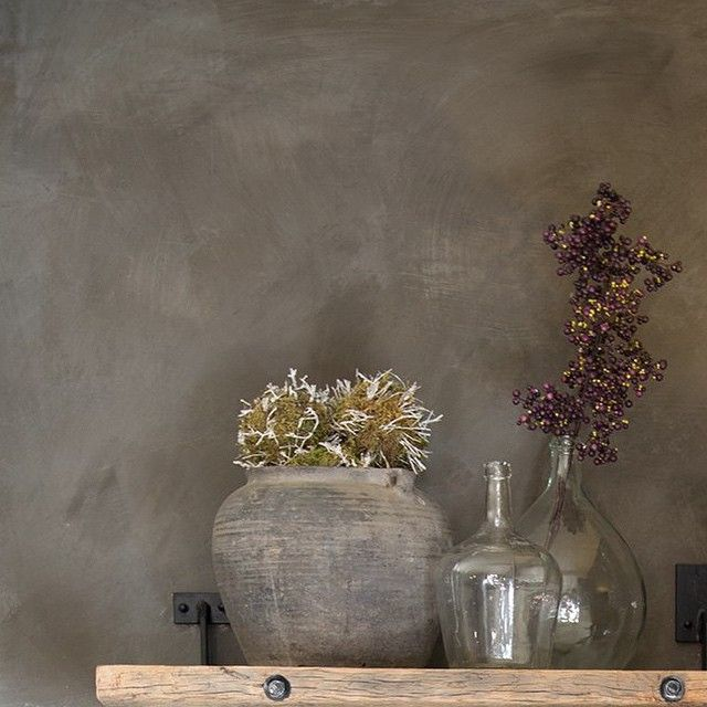 Marrakech Walls, color Deep Earth.  Mineral plaster paint by Pure & Original Concrete look, Tadelakt look