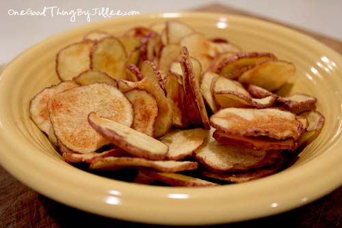 microwave potato chipsRecipe, Good Things, Microwave Sweets Potatoes, Onions Dips, Microwave Potatoes Chips, Homemade Microwave, Homemade Potatoes, Gluten Free Dairy Fre, National Potatoes