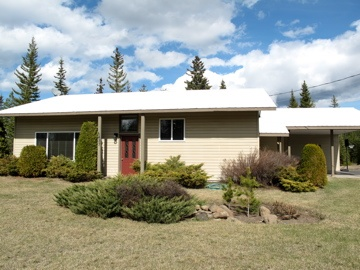 2 Bdrm Family Home + 20Ac.    100 Mile House, BC - Hwy 24 @Hwy 97