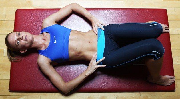 Pokud se naučíte správně dýchat a zapojovat i střed svého těla, přenesete si tuto dovednost do každodenního života. Zbavíte se bolestí zad a nebudete se již muset věnovat posilování břicha, jelikož bude automaticky zapojeno při všech vašich činnostech. Ať už to bude sportovní výkon nebo čekání na autobus.