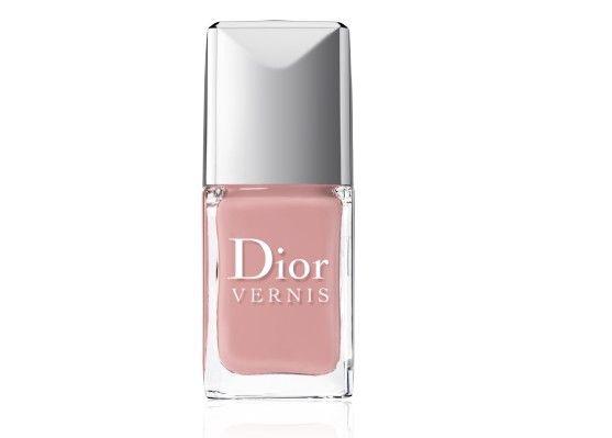 Smalto Dior rosa baby.Colori smalti autunno 2013: per chi desidera un effetto neutro va benissimo anche un rosa baby.