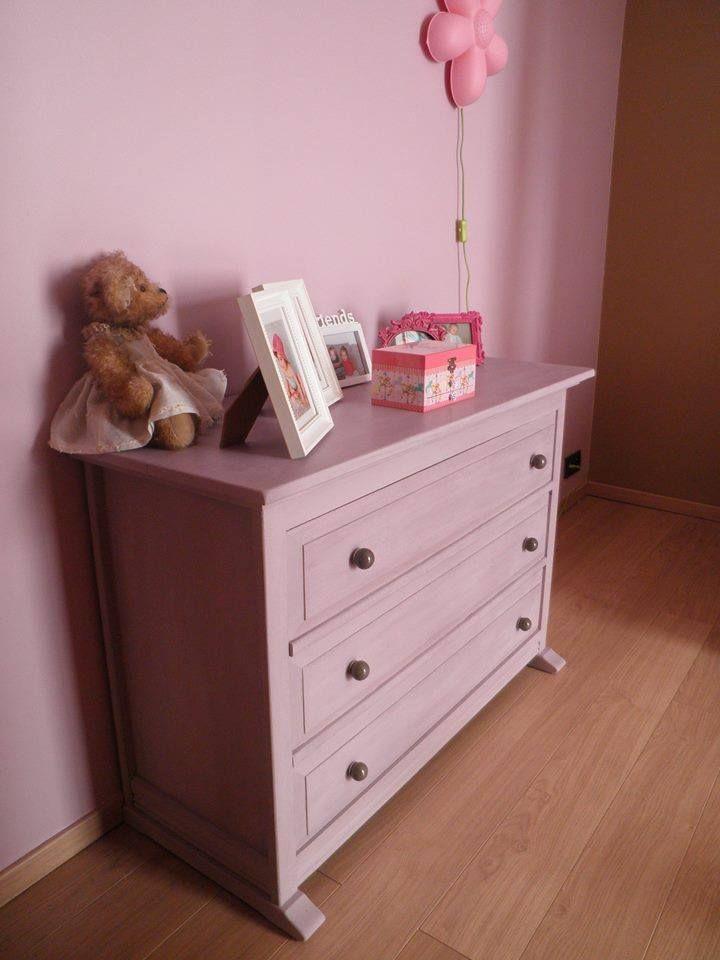 Dit is het eerste project van mijn dochter......kleur emile met old white. Groetjes Danielle.