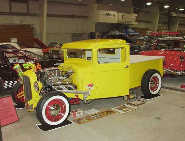 Kevin Venaas' 32 Ford Pickup Toppers Car Club Members' Rides