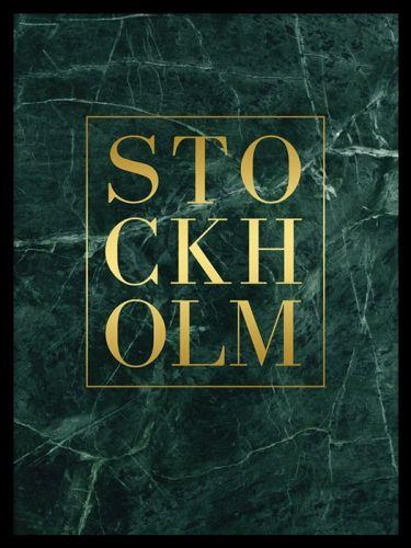 Stockholm Gold green marble, poster. Tavla med guldtext. Snygg trendig tavla med text i guld mot grön marmor. Texten Stockholm är printad med äkta guldfoliering som skapar ett väldigt snyggt blänk.