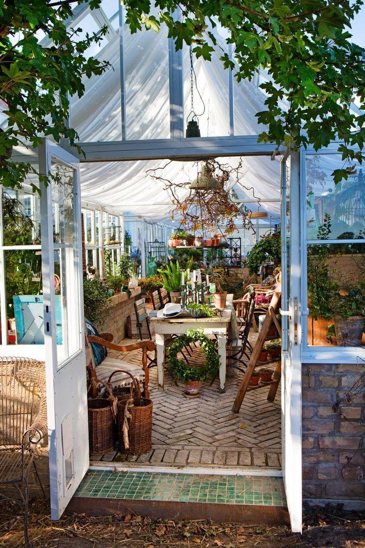 Vintage Garden Decor Ideas That You Need