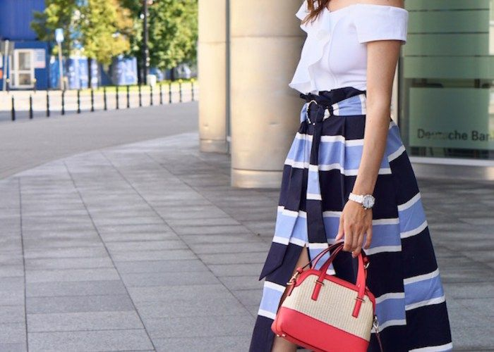 Koloromanka- fresh, marine inspired style. Classy, bold, elegant outfit. Asymetric white top, 3/4 striped skirt, big earrings. 70s, 80s