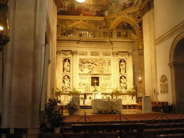LORETO (Italie) 2016 INTERIEUR de la basilique, marbre et toujours marbre, riches sculptures aussi massives que fines.....