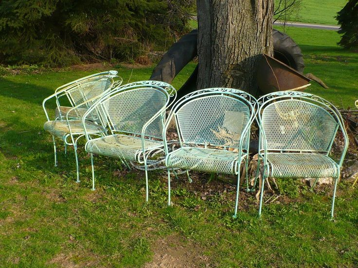 Vintage Mid Century Russell Woodard 4 Expanded Metal Patio Chairs