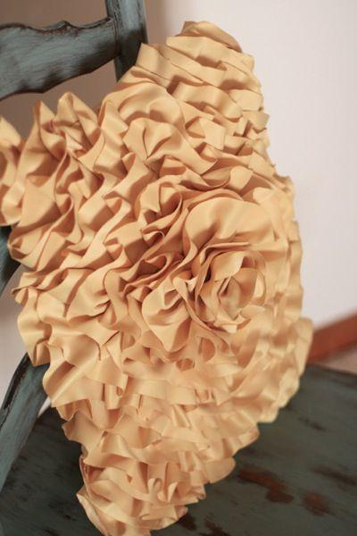 Gorgeous pillowRuffles Pillows Tutorials, Diy Crafts Art, Diy Tutorials, April2 35 Jpg, Pillows Recipe, Throw Pillows, Crafts Diy, Diy Ruffles Pillows, Diy Pillows