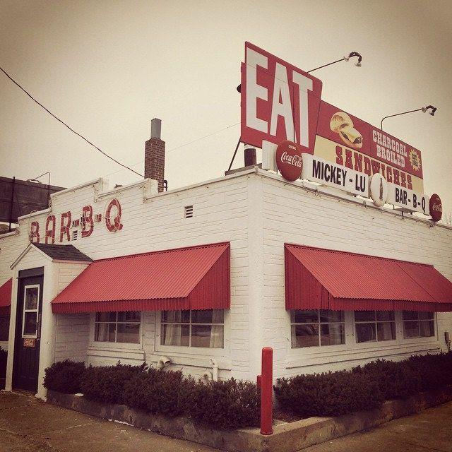 https://flic.kr/p/q4vXAV | The great Mickey Lu's! Marinette, Wisconsin. #diner