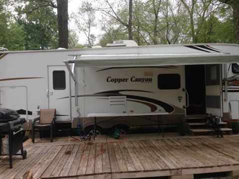 2010 Keystone Copper Canyon (CT) - REDUCED!!! $14,999 OBO Please call Jared @ 860-662-0368 to see this 5th wheel.