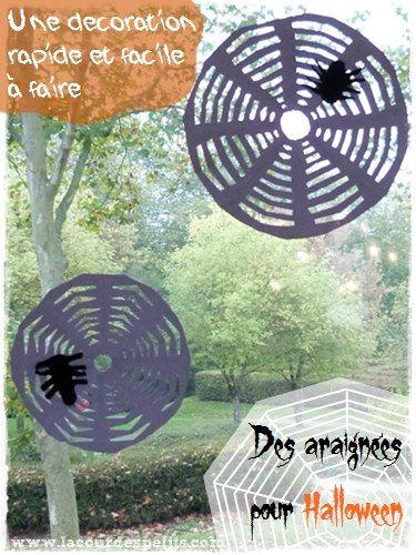 Bricolage d'Halloween : des toiles d'araignées en papier http://www.lacourdespetits.com/bricolage-halloween-toiles-araignees-en-papier/ #halloween #decoupage #kirigami