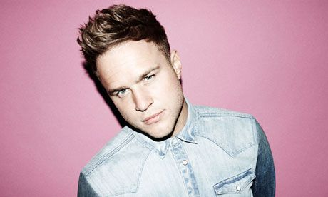Earlier this week we chatted to The X-Factor alumni Olly Murs, about his attack on US charts, last years One Direction tour, his fans, his new video details and forthcoming stadium tour with Robbie Williams. He's the Troublemaker but we just love him, check out the SnapCacklePop Interview with Olly Murs..!