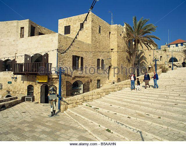 l7.alamy.com zooms 93b4654911ac4d95aab193e7dacccf4e street-scene-old-jaffa-jaffa-israel-middle-east-b5aahn.jpg
