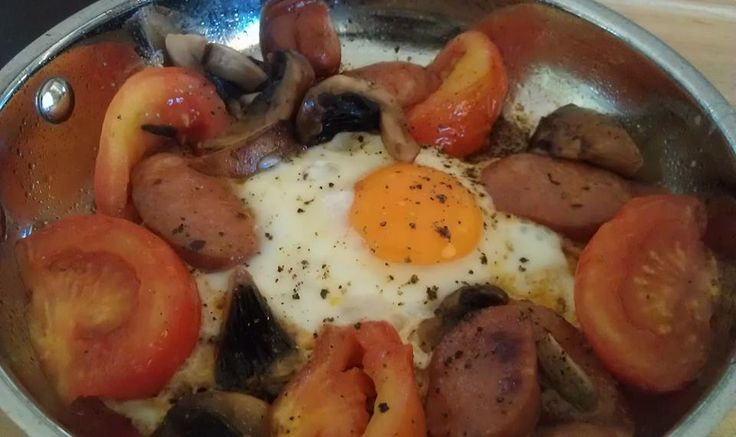 Day 29 One pan brekkie - chorizo, mushroom, tomato and egg