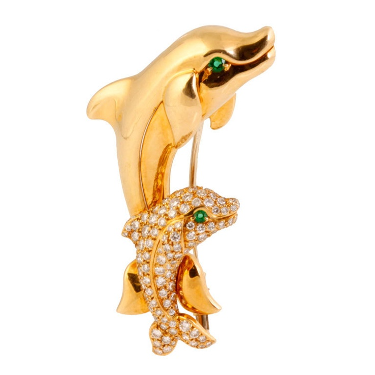 CARTIER Diamond and Emerald Gold Dolphin Brooch at 1stdibs