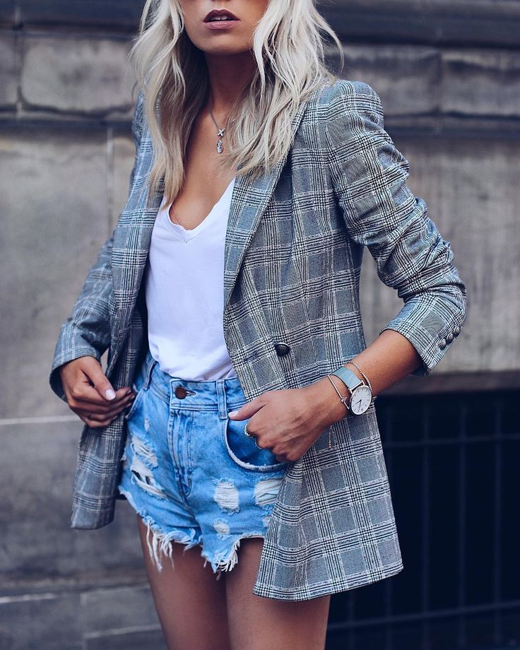 Secrets to Becoming a Successful Street Style Fashion Blogger   Interview with @Lucy Florals  #StyleBlogger #StreetStyle #Summer #Jeans