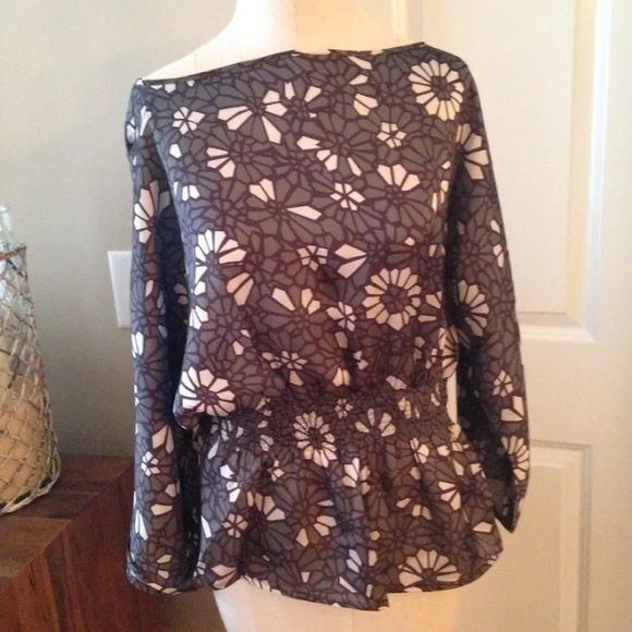 NWT tulle Modcloth floral batwing blouse shirred S 3/4 batwing sleeve floral top. Shirred waist. New with tags. Anthropologie Tulle Tops Blouses