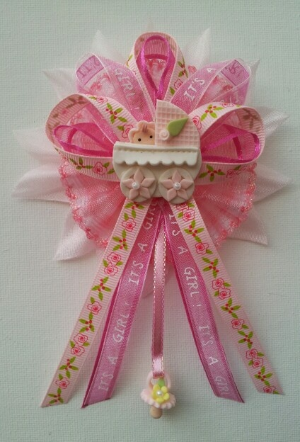 Baby Shower Distintivos ~ Baby shower corsage for by fancy little favors follow