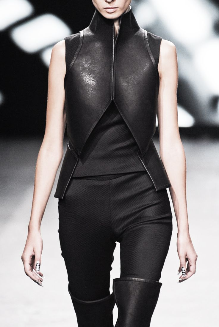 Black leather armour; structured fashion details // Gareth Pugh SS12